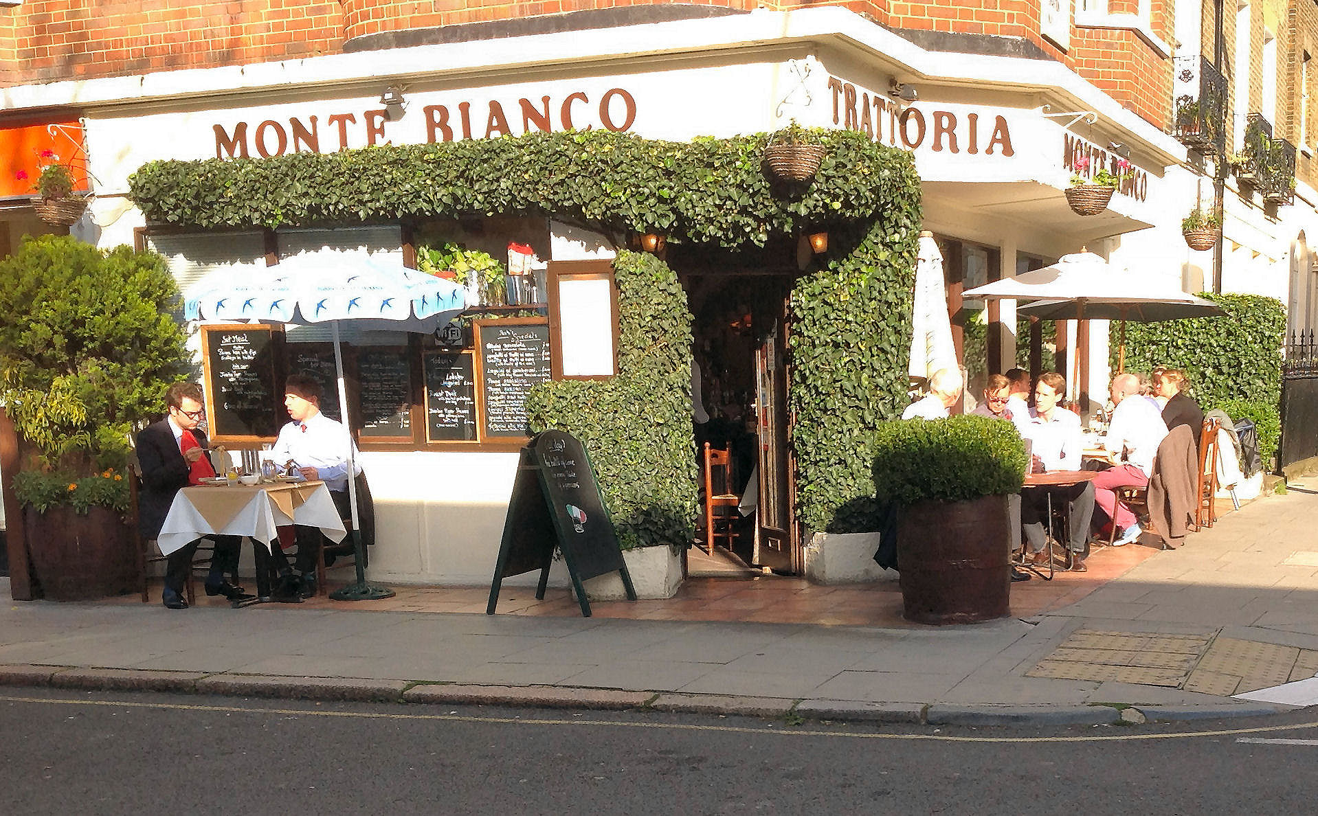 Reserve a table at Trattoria Monte Bianco