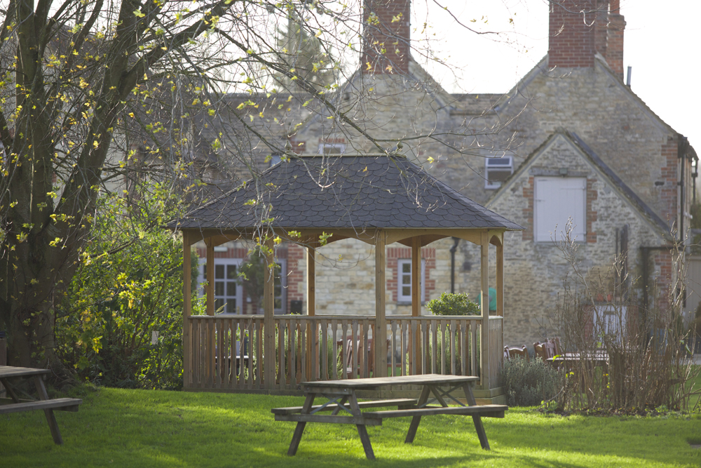 Trout Inn at Tadpole Bridge - Oxfordshire