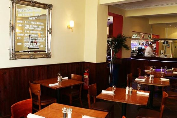 Village Bar & Grill - Hornchurch - Essex
