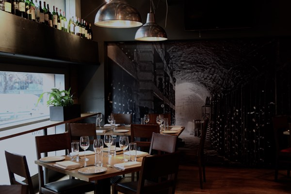 Vivat Bacchus Restaurant & Wine Bar - Farringdon - London
