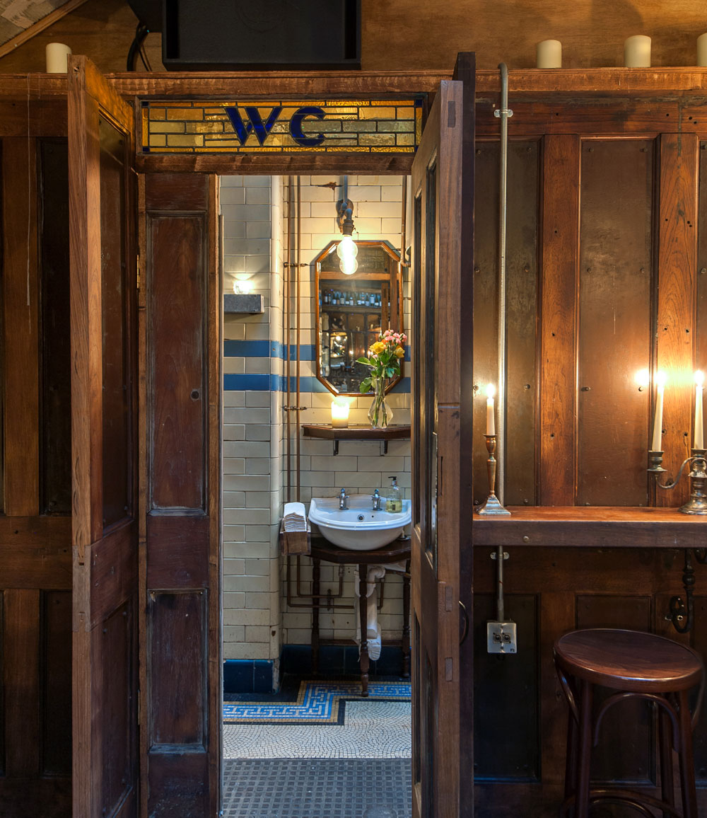 WC Clapham - London