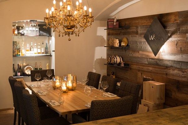 Woods Kitchen & Bar - Tyrol